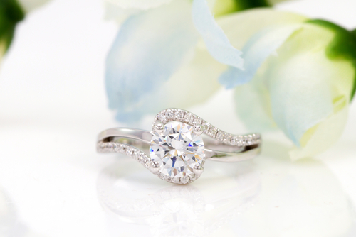 Valuable Tips to Choose the Right Princess Cut Diamond Engagement Ring